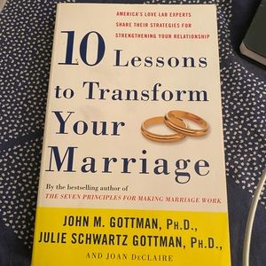 """Book""""10 Lessons to Transform Your Marriage """""""